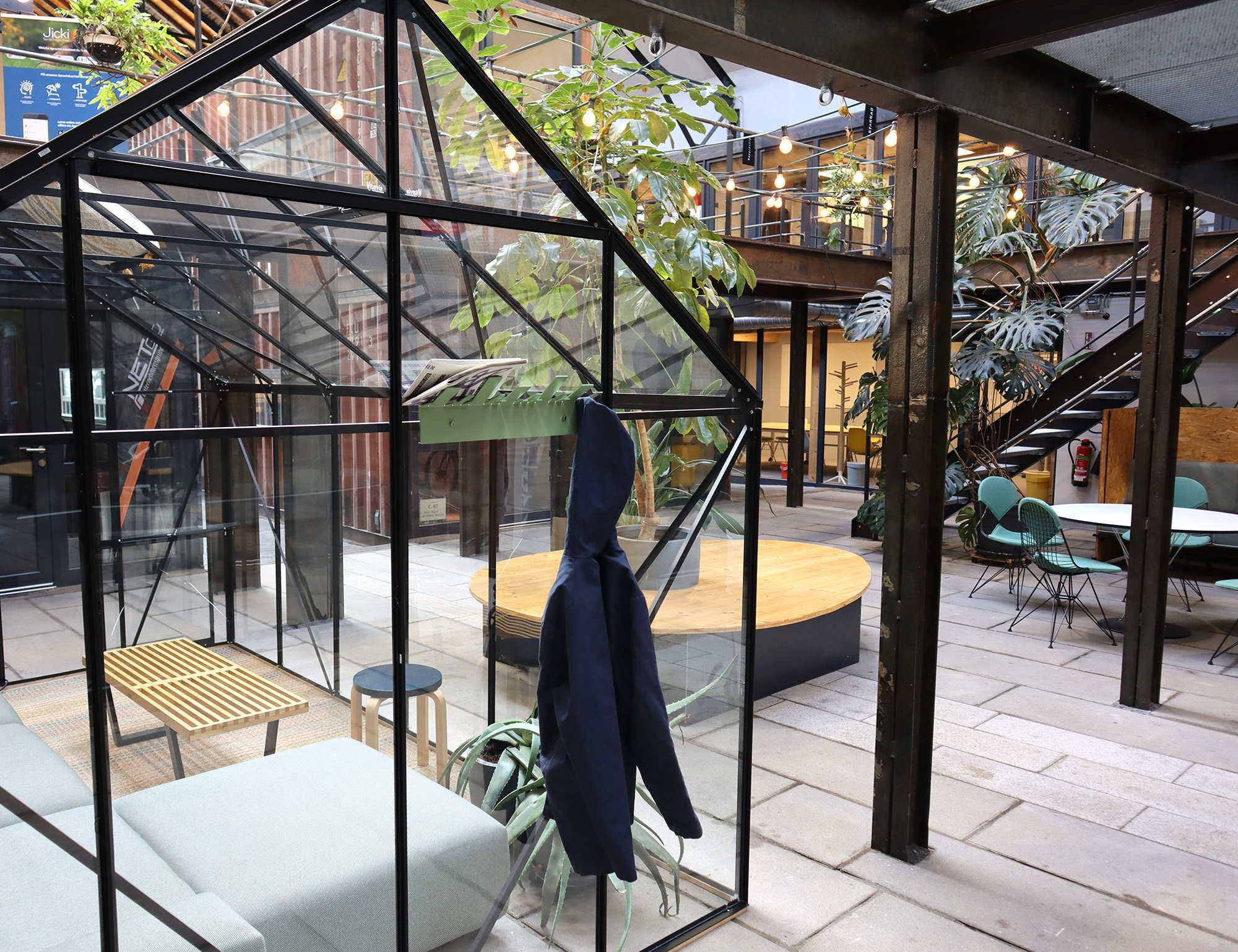 R_S_IMG_0919_Quer_OBE_Garderobe_Design_Stadtteile