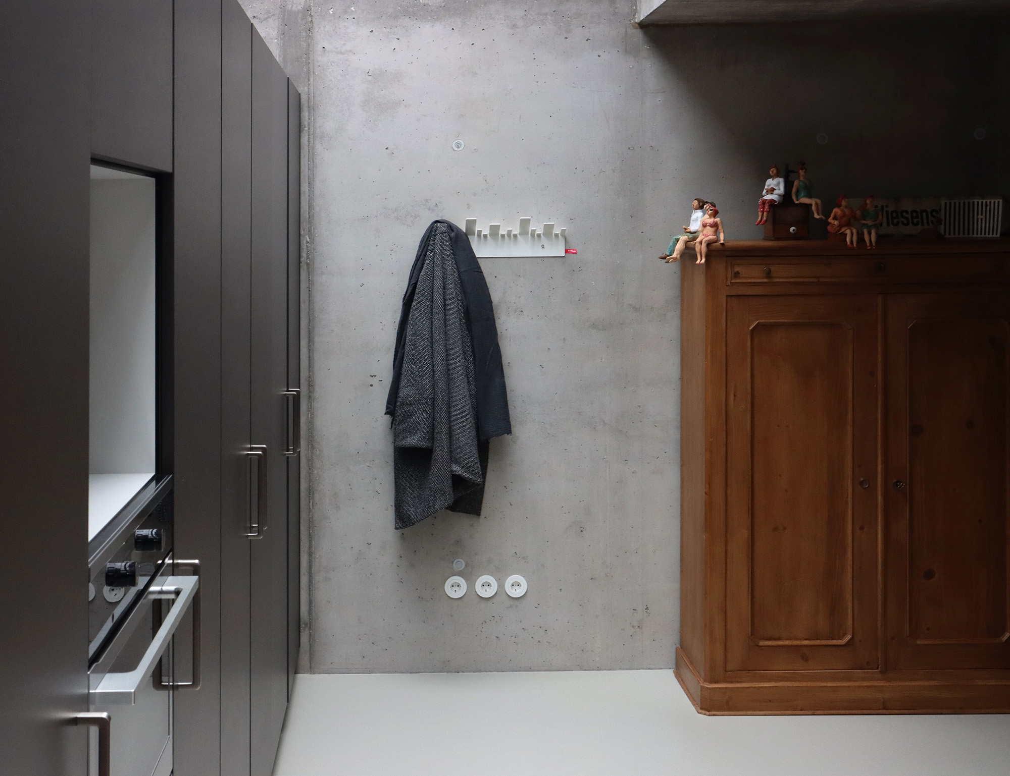 R_S_IMG_1710_Quer_OBE_Garderobe_Design_Stadtteile